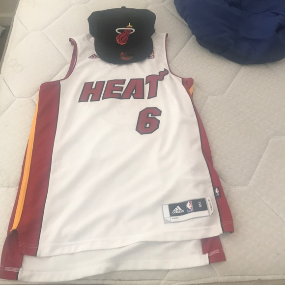 sale retailer 7891a de3aa Miami heat lebron James jersey with Miami heat hat NWT